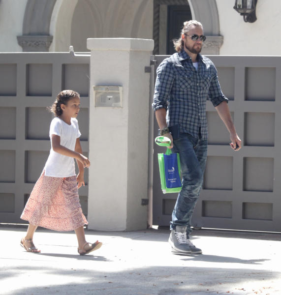 Nahla Ariela Aubry, Gabriel Aubry - Beverly Hills - 03-05-2016 - Il Mister X di Charlize Theron?