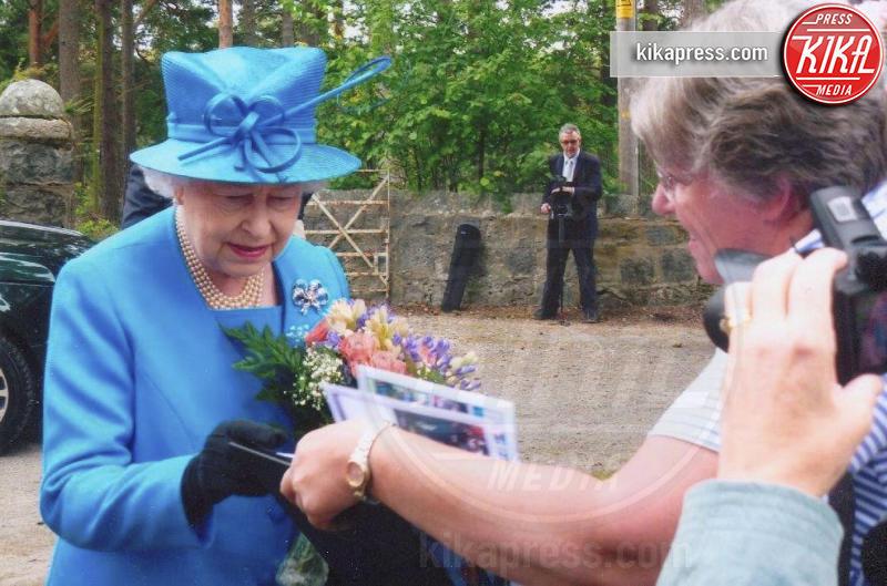 Sheila Clark, Regina Elisabetta II - 28-04-2016 - Sheila Clark, da 50 anni la fan n. 1 della regina Elisabetta II