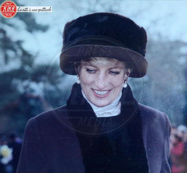 Lady Diana - 27-04-2016 - Sheila Clark, da 50 anni la fan n. 1 della regina Elisabetta II