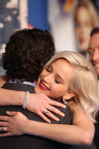 Jennifer Lawrence, Oscar Isaac - Londra - 09-05-2016 - Jennifer Lawrence e Darren Aronofsky: c'è il bacio