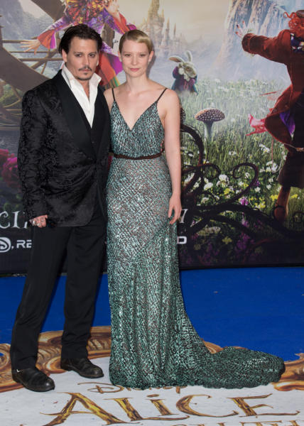 Mia Wasikowska, Johnny Depp - Londra - 10-05-2016 - Mia Wasikowska racconta il suo viaggio Attraverso lo specchio