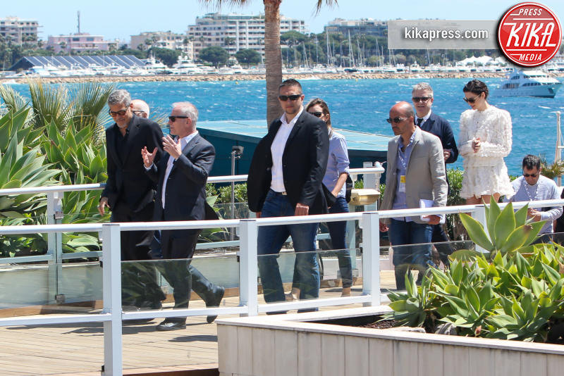 Caitriona Balfe, Thierry Fremaux, George Clooney - Cannes - 12-05-2016 - Cannes 2016: la seconda giornata della kermesse