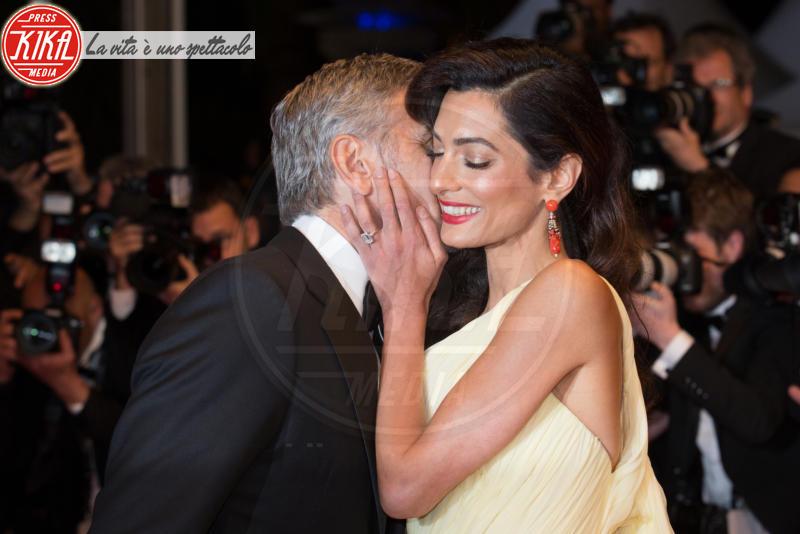 Amal Alamuddin, George Clooney - Cannes - 12-05-2016 - Emily Ratajkowski mostra l'enorme anello di fidanzamento