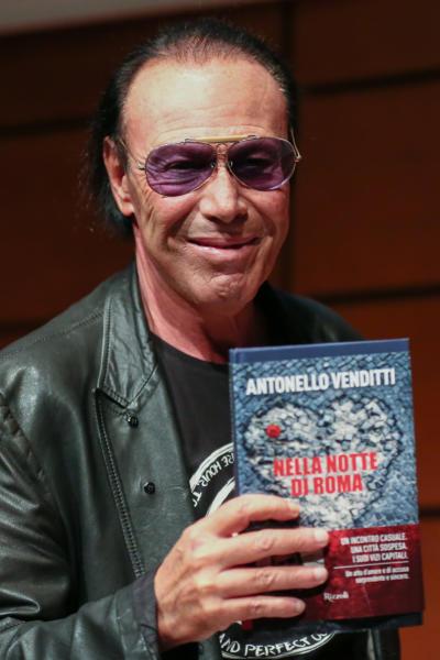 Antonello Venditti - Torino - 15-05-2016 - Torino, successo per il Salone del Libro