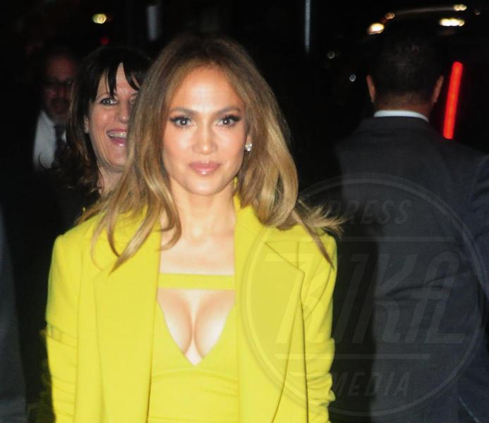 Jennifer Lopez - New York - 16-05-2016 - Ha quasi 50 anni ma sul red carpet la più sexy è sempre lei