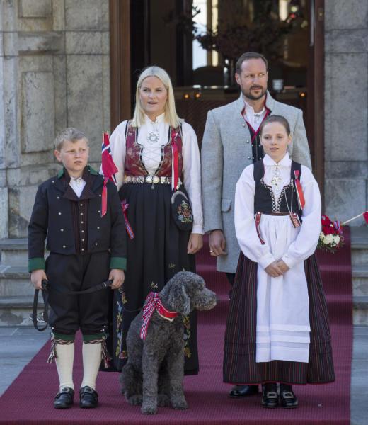 Milly Kakao, Principe Haakon Magnus di Norvegia, Principe Sverre Magnus, Principessa Ingrid Alexandre, Principessa Mette-Marit di Norvegia - Oslo - 17-05-2016 - Saranno loro a sedersi, un giorno, sui troni d'Europa