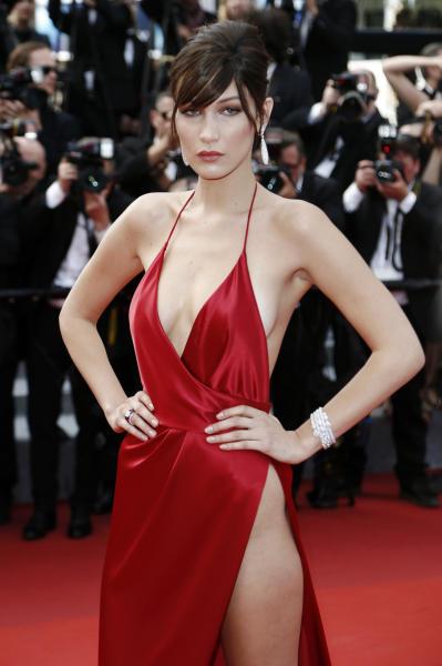 Bella Hadid - Cannes - 18-05-2016 - Emily Ratajkowski-Bella Hadid: chi è la più sexy?