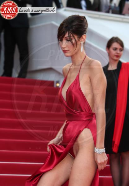 Bella Hadid - Cannes - 18-05-2016 - Il segreto dello spacco sexy di Rosario Dawson