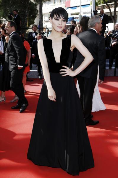 Koharu Sugawara - Cannes - 19-05-2016 - Cannes 2017: vi ricordate lo spacco di Bella Hadid?
