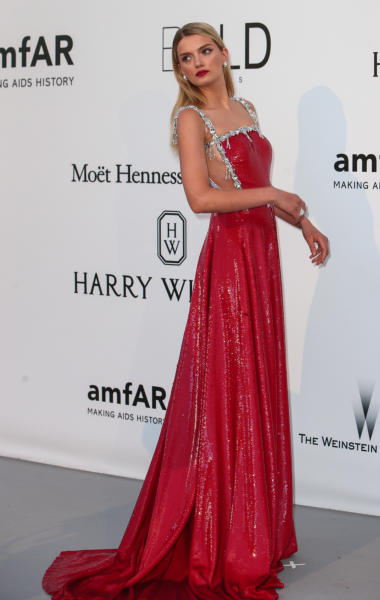 Lily Donaldson - Cap D Antibes - 19-05-2016 - Alessandra Ambrosio, spacco e scollatura dominano agli amfAR