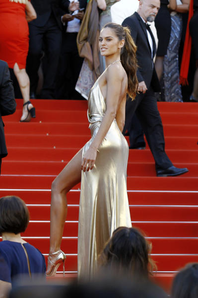 Izabel Goulart - Cannes - 21-05-2016 - Cannes 2017: vi ricordate lo spacco di Bella Hadid?