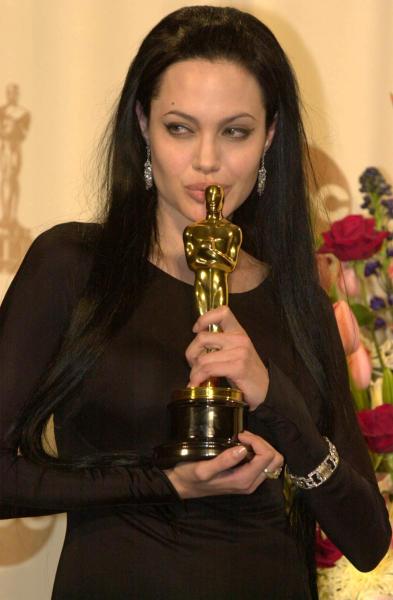 Angelina Jolie - Los Angeles - 26-03-2000 - Furia Angelina Jolie: scende in campo la mamma di Brad Pitt