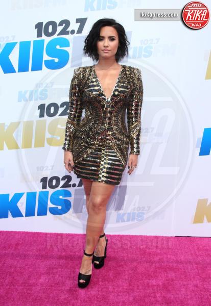 Demi Lovato - Carson - 14-05-2016 - Natale e Capodanno: a ciascuna la sua forma e... il suo abito!