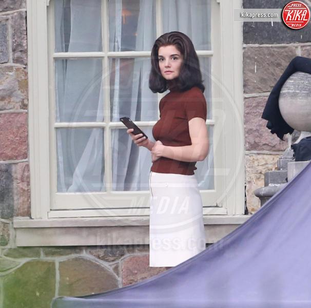 Katie Holmes - Toronto - 25-05-2016 - Katie Holmes torna nei panni di Jackie Kennedy