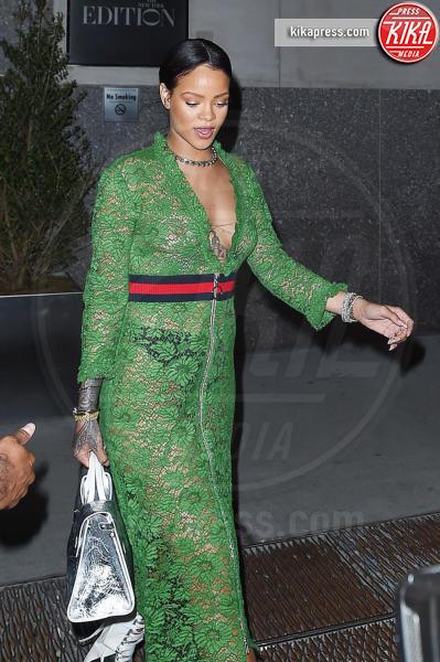 Rihanna - New York - 25-05-2016 - Chi lo indossa meglio? Rihanna e Salma Hayek