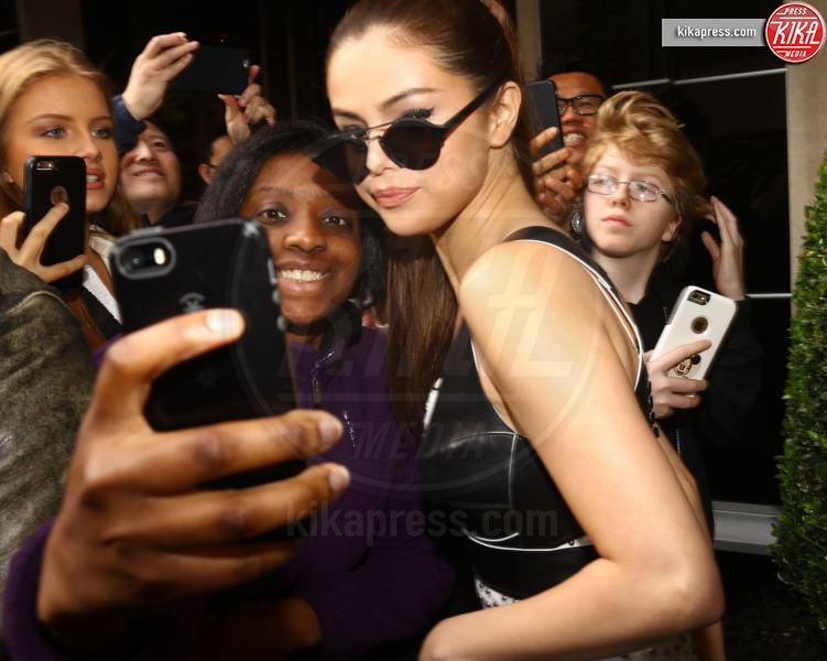 Selena Gomez - New York - 02-05-2016 - Chi lo indossa meglio? Selena Gomez e Sasha Lane