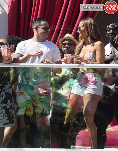 Casper Smart, Jennifer Lopez - Las Vegas - 29-05-2016 - Jennifer Lopez incide una canzone per le vittime di Orlando