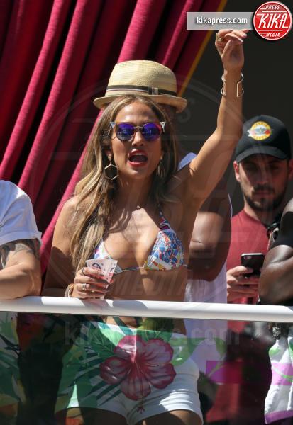 Jennifer Lopez - Las Vegas - 29-05-2016 - Jennifer Lopez incide una canzone per le vittime di Orlando