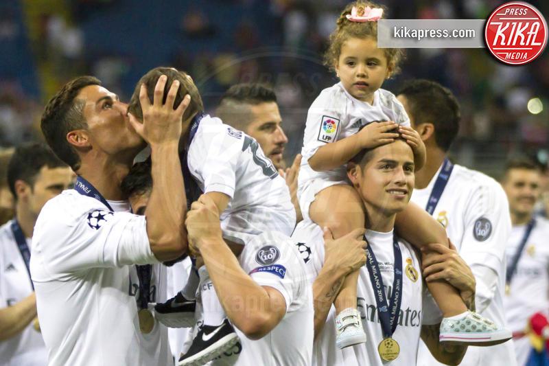 James Rodriguez mit Tochter, Isco mit Sohn, Cristiano Ronaldo - Milano - 25-05-2016 - Il Real Madrid vince la sua Undècima Champions League