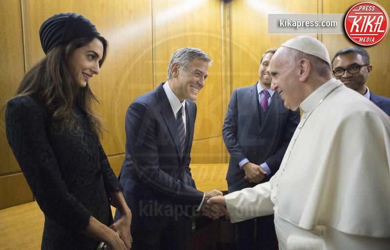 Amal Clooney, Papa Francesco, George Clooney - Città del Vaticano - 29-05-2016 - George Clooney pensa alla Casa Bianca
