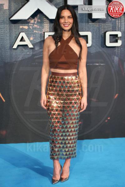 Olivia Munn - Londra - 09-05-2016 - Chi lo indossa meglio? Look brillanti per le feste