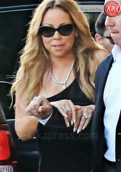 Mariah Carey - Hollywood - 01-06-2016 - Emily Ratajkowski mostra l'enorme anello di fidanzamento