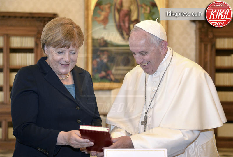 Papa Francesco, Angela Merkel - Città del Vaticano - 06-05-2016 - Forbes: la donna più potente al mondo è sempre lei