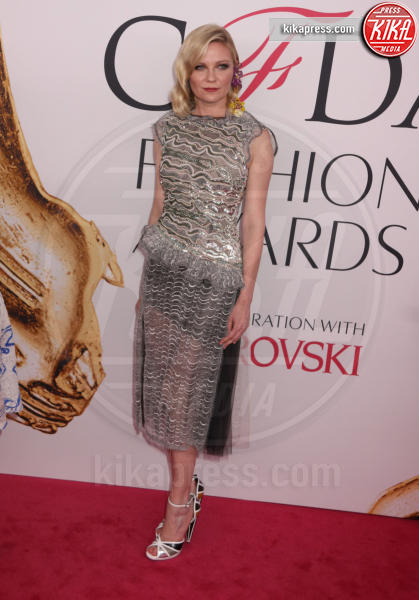 Kirsten Dunst - New York - 06-06-2016 - CFDA Fashion Awards 2016: un tripudio di nero e argento!