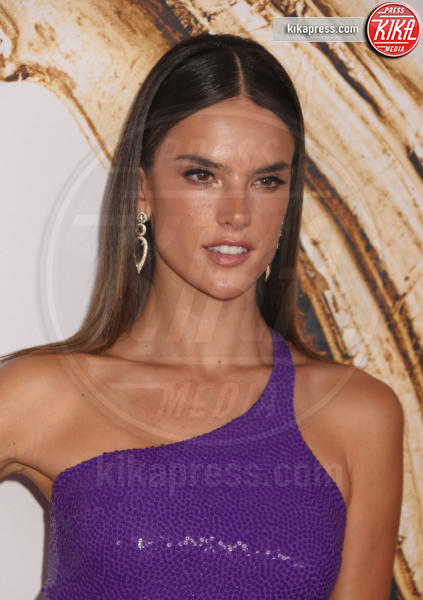 Alessandra Ambrosio - New York - 06-06-2016 - CFDA Fashion Awards 2016: un tripudio di nero e argento!