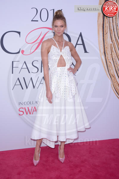 Karlie Kloss - New York - 07-06-2016 - CFDA Fashion Awards 2016: un tripudio di nero e argento!