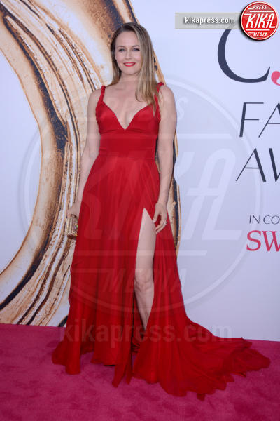 Alicia Silverstone - New York - 07-06-2016 - CFDA Fashion Awards 2016: un tripudio di nero e argento!