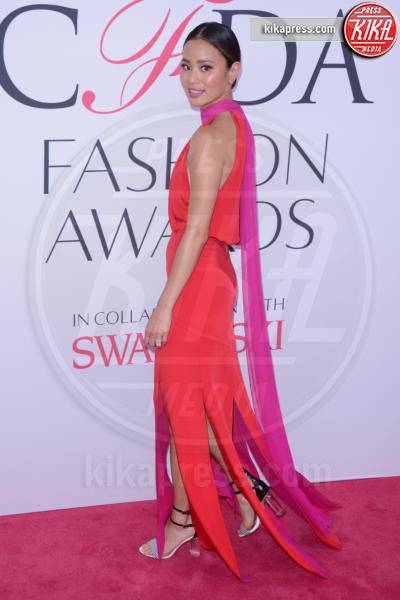 Jamie Chung - New York - 07-06-2016 - CFDA Fashion Awards 2016: un tripudio di nero e argento!