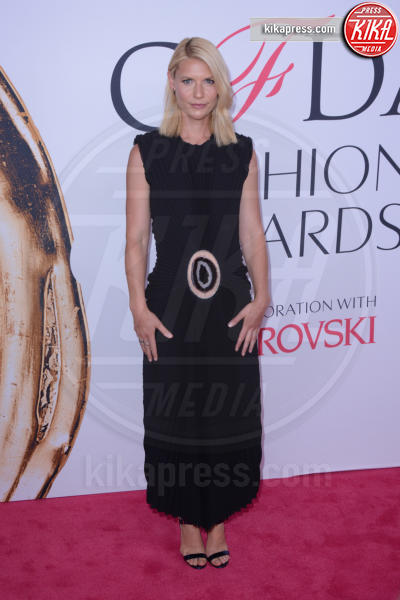 Claire Danes - New York - 07-06-2016 - CFDA Fashion Awards 2016: un tripudio di nero e argento!