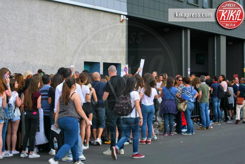 Fan - Milano - 09-06-2016 - Milano in delirio per l'arrivo di Cameron Dallas