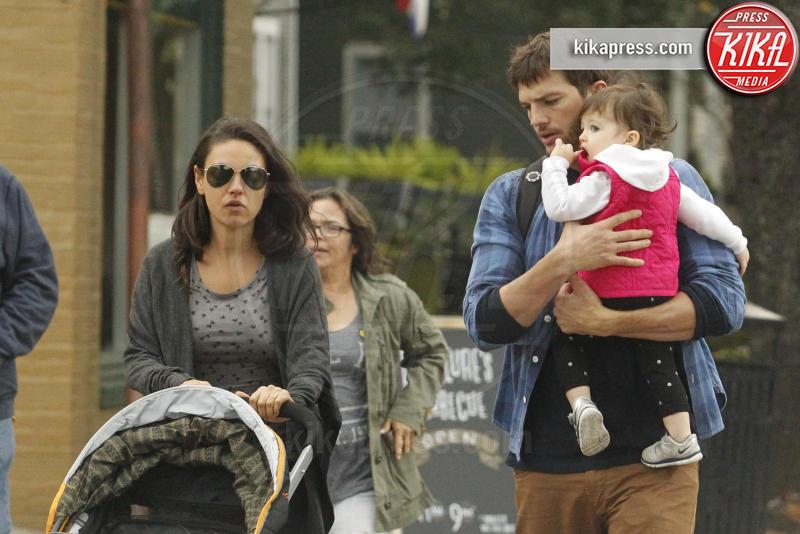 Wyatt Isabelle Kutcher, Mila Kunis, Ashton Kutcher - New Orleans - 09-01-2016 - Mila Kunis e Ashton Kutcher: dentro il paradiso di Santa Barbara