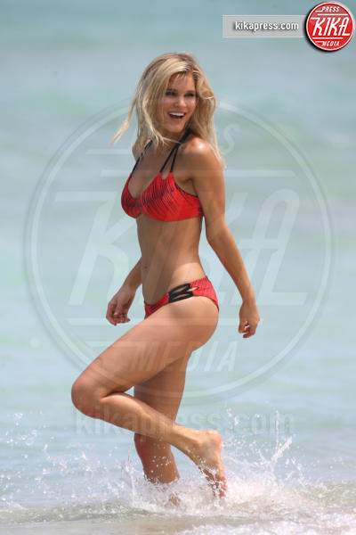 Joy Corrigan - Miami - 18-06-2016 - Shooting bollente per Joy Corrigan sulla spiaggia di Miami