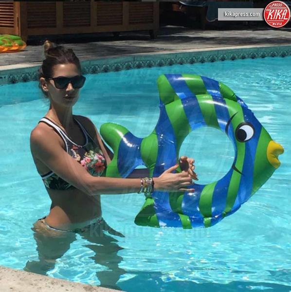 Melissa Satta - Capri - 21-06-2016 - Bikini hot e vacanze: Cecilia Capriotti, così non c'è gara!