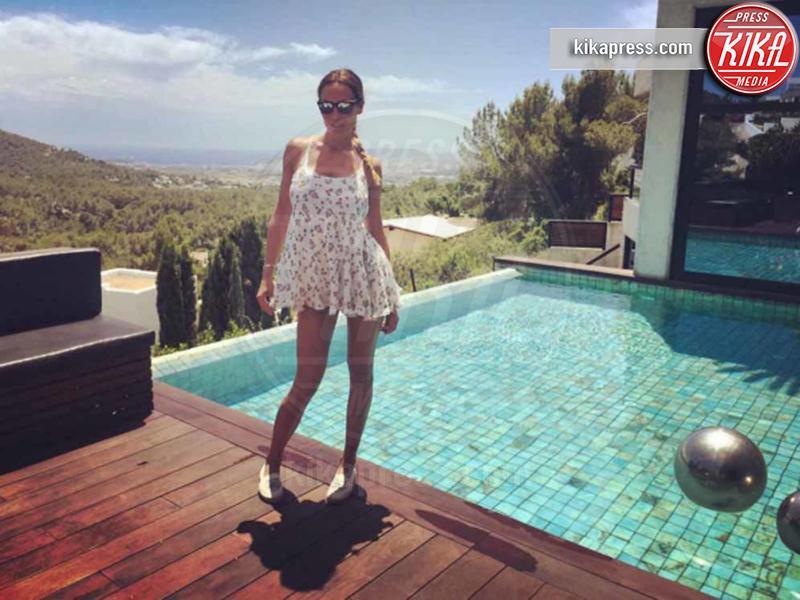Nicole Minetti - Capri - 21-06-2016 - Bikini hot e vacanze: Cecilia Capriotti, così non c'è gara!