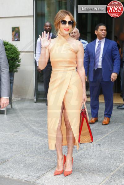 Jennifer Lopez - New York - 20-06-2016 - Il seno di Jennifer Lopez fa impazzire il web