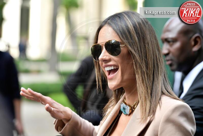 Alessandra Ambrosio - Parigi - 25-06-2016 - Alessandra Ambrosio riunisce la famiglia per le sfilate di Dior