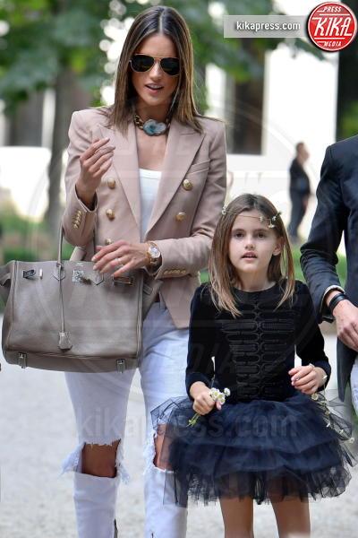 Anja Mazur, Alessandra Ambrosio - Parigi - 25-06-2016 - Alessandra Ambrosio riunisce la famiglia per le sfilate di Dior
