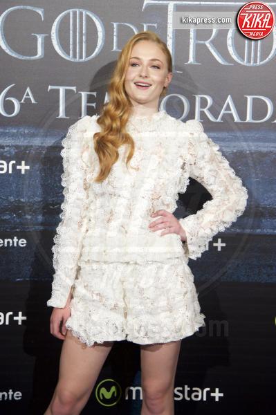 Sophie Turner - Madrid - 28-06-2016 - Chi lo indossa meglio? Caitriona Balfe e Sophie Turner