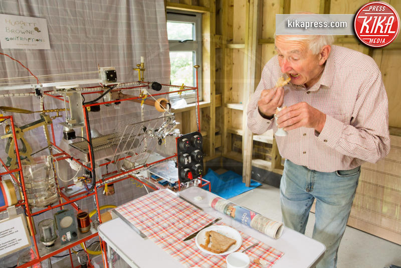 Peter Browne - Sussex - 28-06-2016 - La colazione è pronta: ci pensa la breakfast machine!