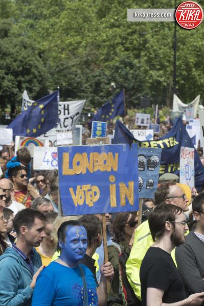 Brexit Protesters, Protesta anti Brexit - Londra - 02-07-2016 - Farage come Hitler: e Londra protesta contro la Brexit