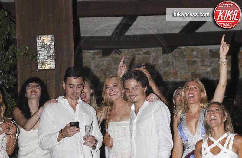 Michael Lohan jr, Egor Tarabasov, Ali Lohan, Lindsay Lohan - Mykonos - 02-07-2016 - Lindsay Lohan incinta, e fidanzata, lo conferma il padre Michael