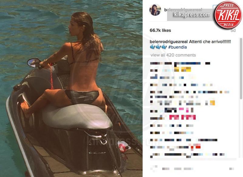 Belen Rodriguez - Ibiza - 05-07-2016 - Belen-Borriello: la verità nel selfie della showgirl