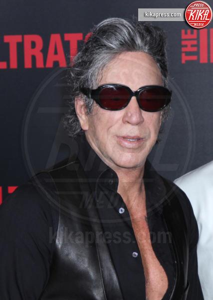 Mickey Rourke - New York - 11-07-2016 - Bryan Cranston, agente infiltrato sulle tracce di Escobar