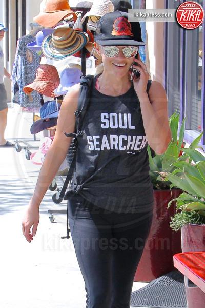 Reese Witherspoon - Los Angeles - 16-07-2016 - Altro che social, per comunicare si usano le magliette!