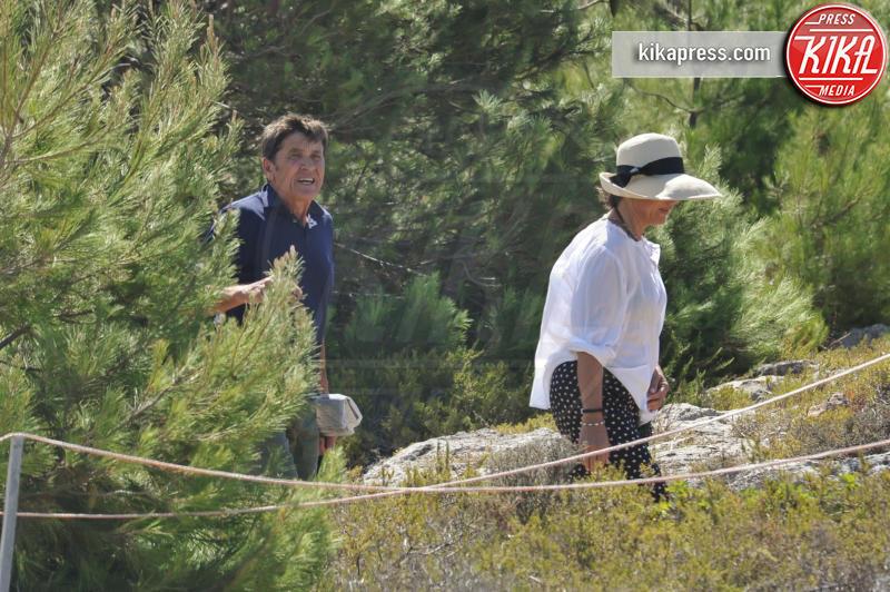 Anna Dan, Gianni Morandi - Gallipoli - 17-07-2016 - Gianni Morandi e Anna Dan innamorati come il primo giorno