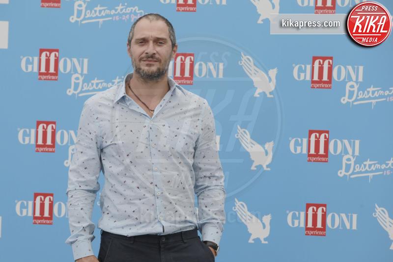 Claudio Santamaria - Giffoni Valle Piana - 23-07-2016 - Claudio Santamaria, la nuova fidanzata è lei
